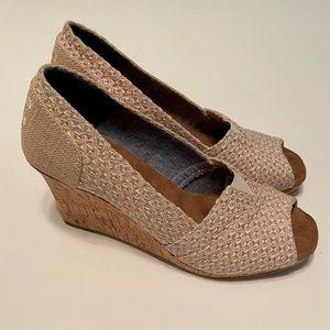 Toms Peep Toe Cork Wedges / Cream / Tan Size 6.5 W